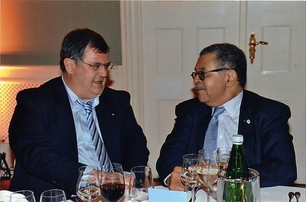 Il Notaio Chiarelli a a Salisburgo con Maître Daniel-Sèdar Senghor, Presidente dell'UNIONE INTERNAZIONALE DEL NOTARIATO.
